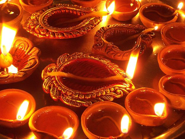"""Diwali Diya"". Licensed under CC BY-SA 2.0 via Commons - https://commons.wikimedia.org/wiki/File:Diwali_Diya.jpg#/media/File:Diwali_Diya.jpg"